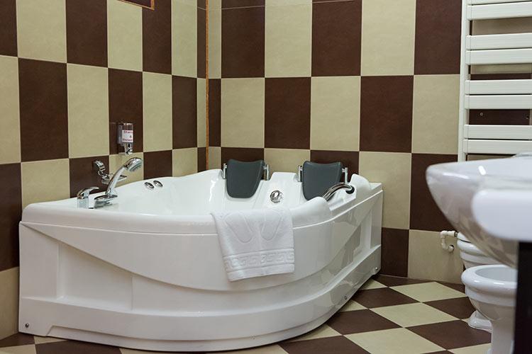 http://hotel-diplomat.ro/wp-content/uploads/family/12.jpg
