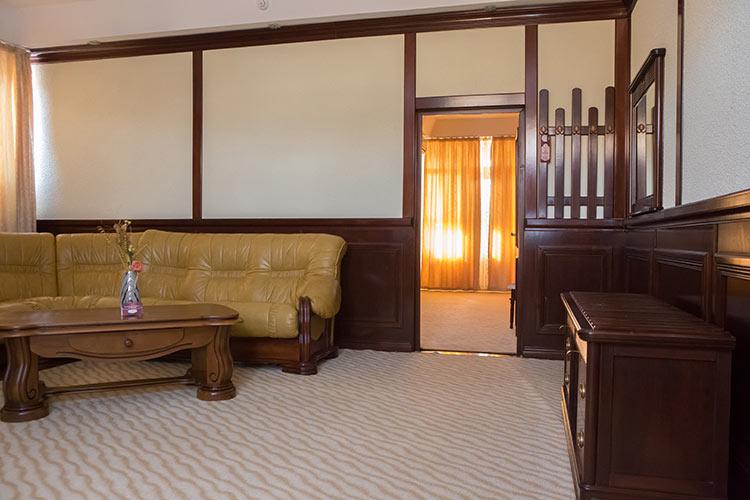 http://hotel-diplomat.ro/wp-content/uploads/family/3.jpg