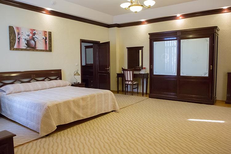 http://hotel-diplomat.ro/wp-content/uploads/family/5.jpg